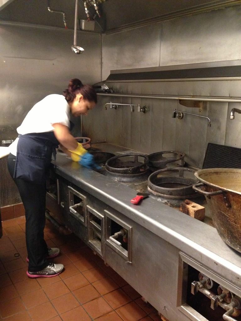 Restaurant and Kitchen Cleaning Service - Food Court - Kitchen ...