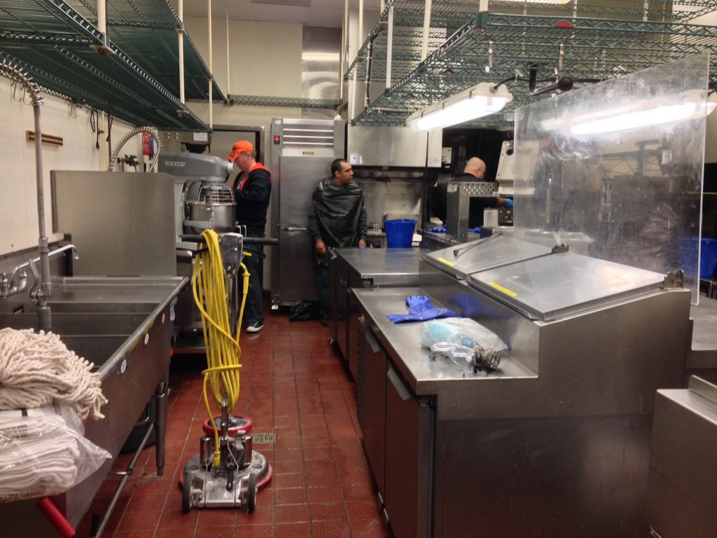 Fast food restaurant kitchen heavy duty deep cleaning service in carrollton tx 07 grubbs Kitchen design for fast food restaurant