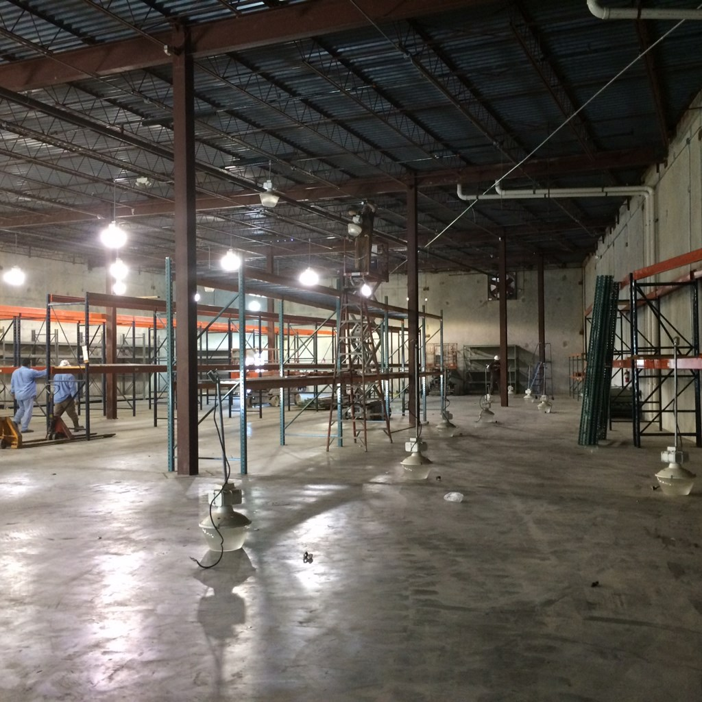 Warehouse Office Deep Cleaning And Carpet Cleaning Service
