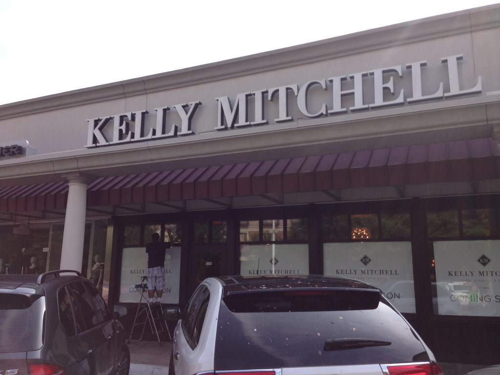 Post Construction Cleaning Service at Kelly Mitchell Jewelry Store in Highland Park, Texas