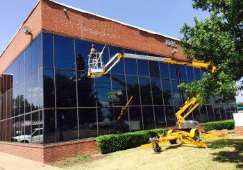 Large Office Building Final Post Construction Clean Up 007 13d7286b30723da71d87c3cc54473db7 350x245 100 crop Large Office Building Final Post Construction Clean Up