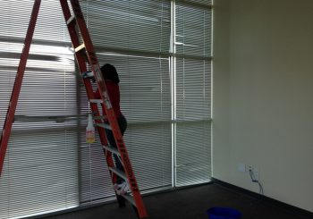 Warehouse Windows Cleaning in Frisco Tx 20 e448f7e15dce05ac722cdf273527140a 350x245 100 crop Warehouse and Office Windows Cleaning in Frisco, TX