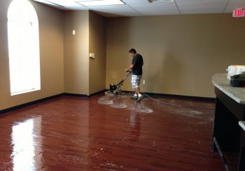 Waxing and Polishing Floors in Irving Texas 20 87497eeb82712d2b9b7663e254549f72 350x245 100 crop Waxing Floors in Irving, TX