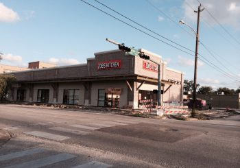 Zoes Kitchen in Houston TX Final Post Construction Cleaning 05 f6d3e337e337f23bb80c1d0598bdf87f 350x245 100 crop Zoes Kitchen in Houston, TX Final Post Construction Cleaning
